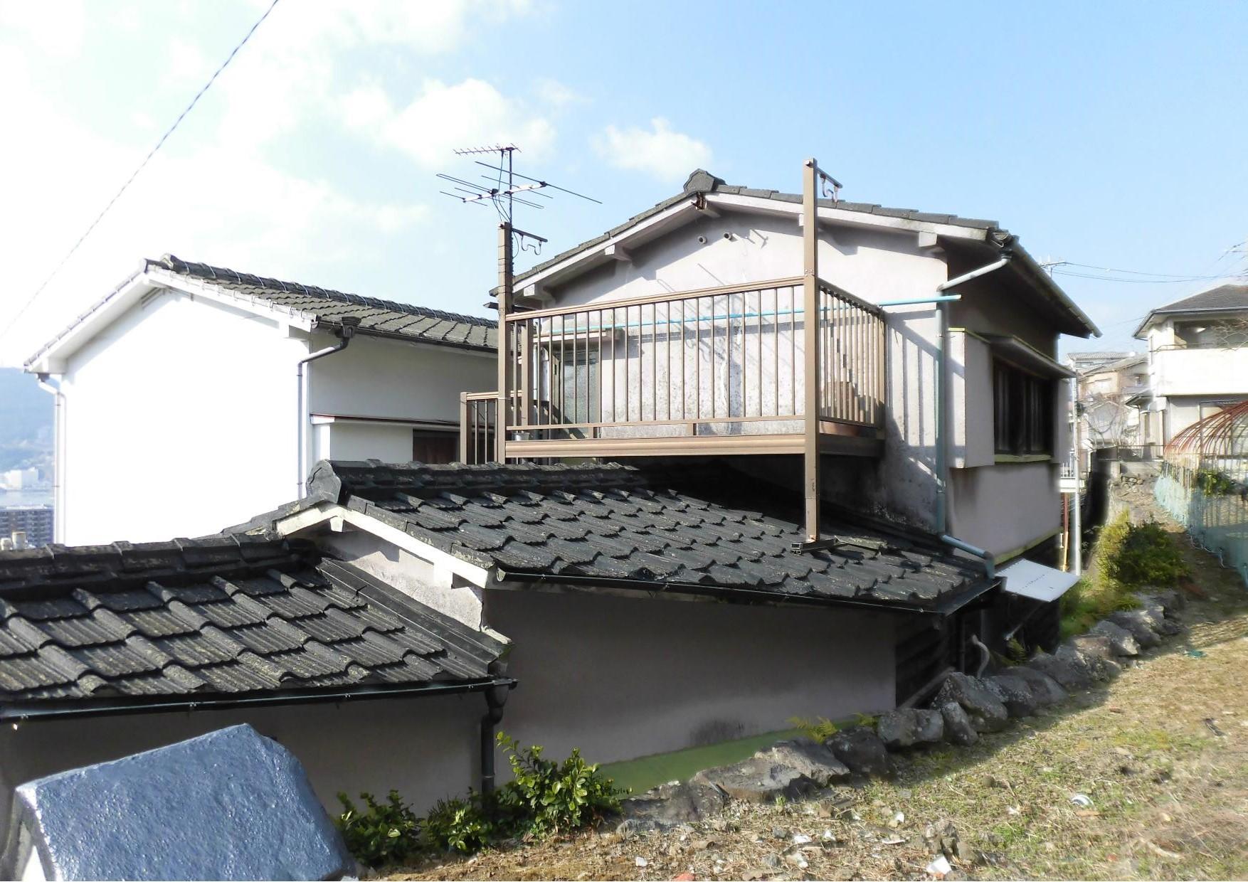 長崎県長崎市|世界遺産を眼下に望む斜面地の家